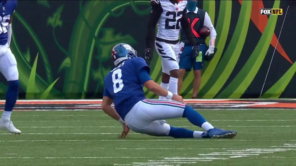 Daniel Jones Injury Video